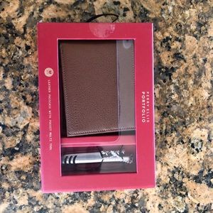 Perry Ellis Mens wallet with Extra tool